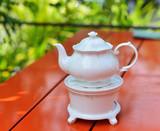 white tea pot - 105154022