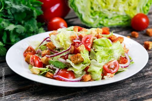 Салат цезарь классический простой рецепт с помидорами