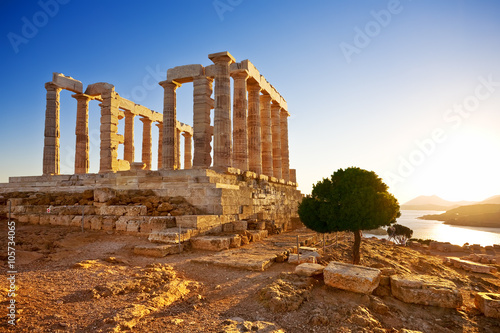 Zdjęcia na płótnie, fototapety, obrazy : Greece. Cape Sounion - Ruins of an ancient Greek temple of Poseidon before sunset