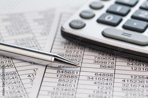 Leinwanddruck Bild Taschenrechner und Statistk