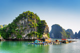 Fototapety Beautiful view of floating fishing village in the Ha Long Bay