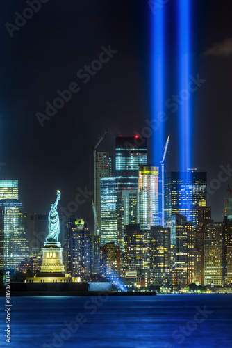 Poster NEW YORK CITY - SEPTEMBER 11: The Statue of Liberty as seen in the evening of September 11, 2015 in New York City