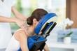 Leinwanddruck Bild - Young woman receiving back massage
