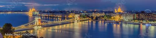 Fotobehang Boedapest Budapest beleuchtet