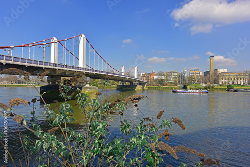 Poster Chelsea Bridge on the Thames in London.