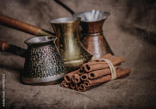 Fotobehang Koffiebonen Vintage oriental coffee pot
