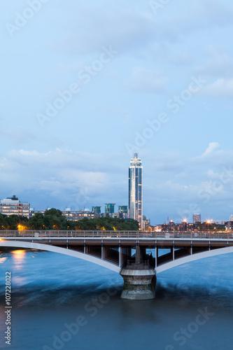 London at dawn. View from Chelsea bridge Canvas Print