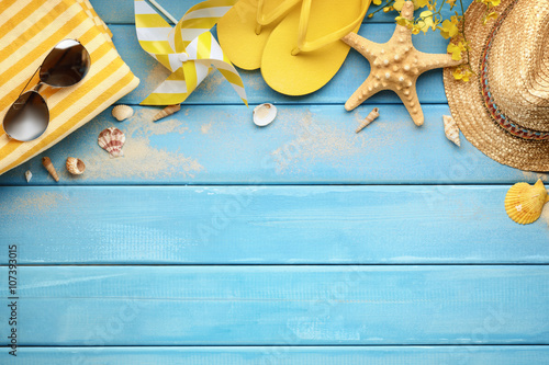 Foto Murales Beach accessories on wood