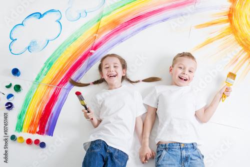 obraz lub plakat kids painting rainbow