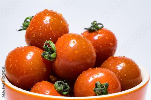 濡れたプチトマト