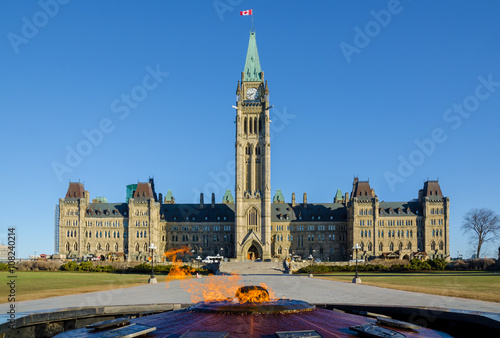 Foto op Plexiglas Canada Parliament building in Ottawa, Canada - Centre Block, Peace Tower and Centennial Flame
