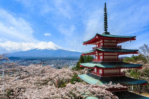 Foto op Plexiglas Japan Mt Fuji, Chureito Pagoda or Red Pagoda with sakura.