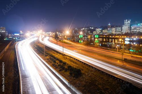 Foto op Aluminium Las Vegas busy traffic on road at night in portland