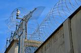 Stacheldraht, Grenze, Gefängnis  - 108721051