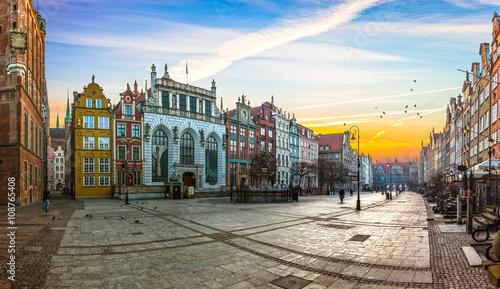 Zdjęcia na płótnie, fototapety na wymiar, obrazy na ścianę : Old town of Gdansk with in the morning, Poland.