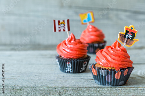 Poster Colorful pirate theme birthday cupcakes