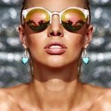 Closeup fashion beautiful woman portrait wearing sunglasses - 108972456