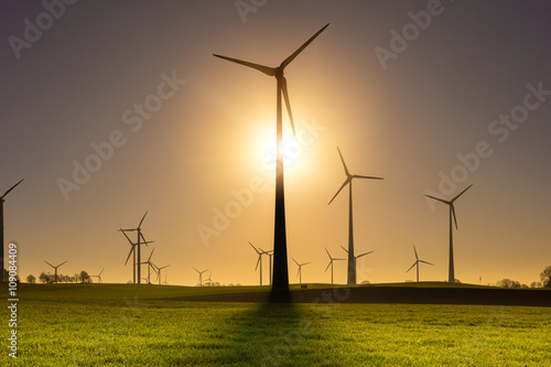 Zdjęcie XXL Windräder Windrad Windpark Windenergie Sunrise Backlight