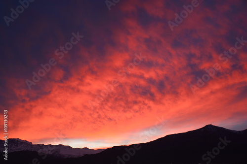 Keuken foto achterwand Crimson amazing sunrise at mount Andes in Santiago Chile