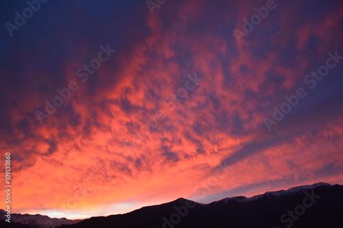Fotobehang Crimson amazing sunrise at mount Andes in Santiago Chile