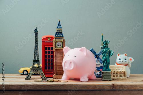 Foto op Plexiglas New York TAXI Planning summer vacation, money budget trip concept with piggy bank.