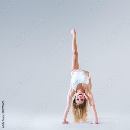 fototapeta na ścianę Ballet dancer