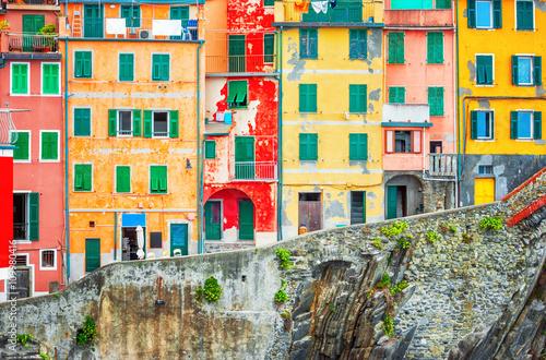 Poster Colorful houses in Riomaggiore, Cinque terre Italy.