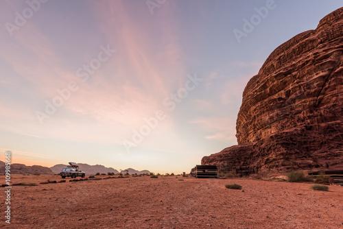 Poster Camp in Wadi Rum at sunrise