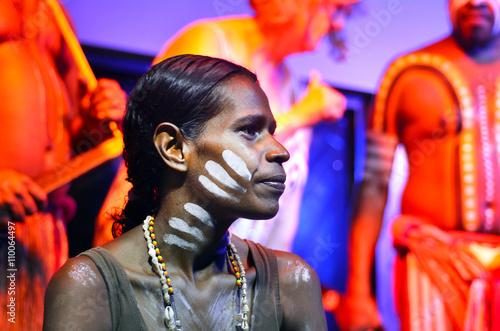 obraz PCV Yirrganydji Aboriginal woman and men in Queensland Australia