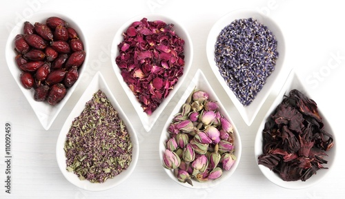 Zdjęcia na płótnie, fototapety, obrazy : Flowers for aromatherapy.