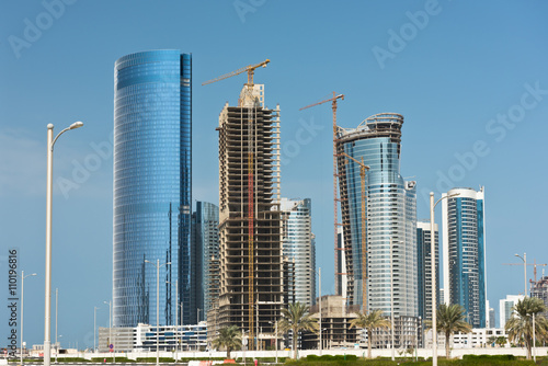 Foto op Plexiglas Abu Dhabi Abu Dhabi new district with skyscrapers construction