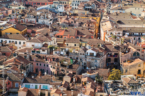 Obraz na Szkle An aerial view of the roofs of the town of Venice in Italy