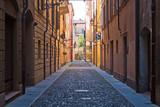 Fototapety Modena - vicolo nel centro storico