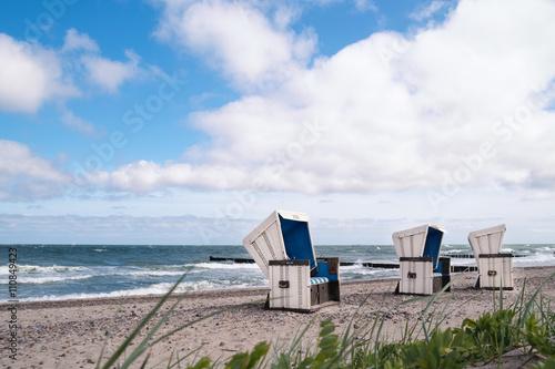 Foto op Canvas Noordzee Strandkörbe an der Nordsee