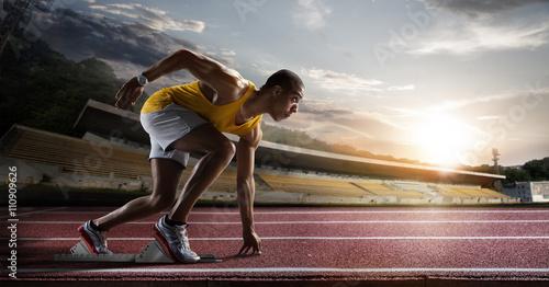 Biegacz czekający na start