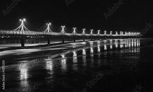 Fototapeta Molo w Płocku nocą