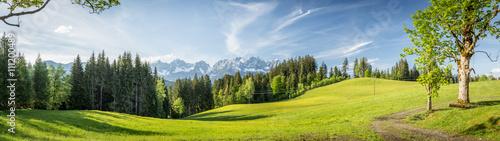 Papiers peints Photos panoramiques Panorama mit Blick auf die Berge Wilder Kaiser