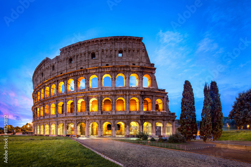 Foto op Canvas Rome Kolosseum in Rom bei Nacht