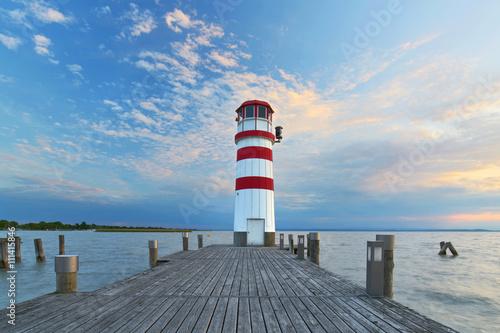 Fototapeta Steg am See, Leuchtturm