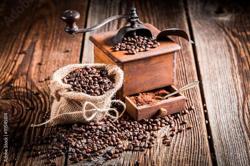 mlynek-do-kawy-i-fasoli