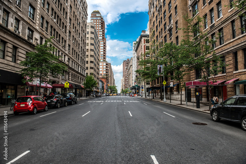 Foto op Plexiglas New York TAXI New York City Manhattan empty street at Midtown at sunny day