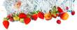 frutta fresca che cade in acqua - 111848896