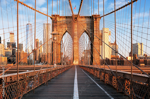 Poster Brooklyn Bridge at sunrise, New York City , Manhattan