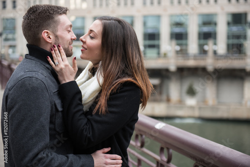Poster Chicago Happy engaged couple outdoors