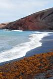 spiaggia di sabbia scura - 112199041