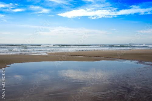Poster Horizonte com céu azul na Praia de Itapirubá - Laguna