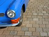 Himmelblauer Sportwagen Klassiker der Fünfziger bis Siebziger Jahre im Oldtimer-Park Lippe in OWL