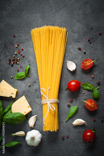 Poster, Tablou Ingredients for cooking Italian pasta