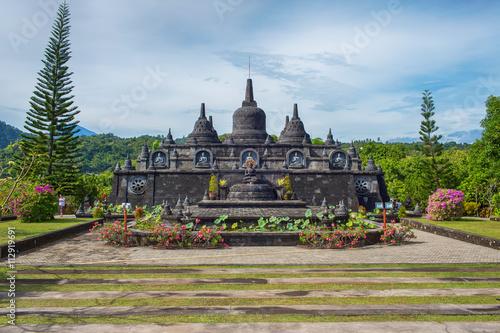 Foto op Plexiglas Indonesië budhist temple Brahma Vihara Arama Banjar Bali, Indonesia
