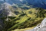 Blick von Gipfel auf Alm (Karwendelgebirge)
